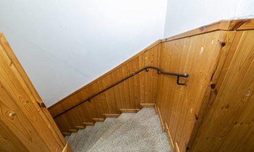 Schodiště k sálu a bytu